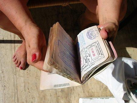 バンコクの在タイ日本大使館でパスポート新規発給